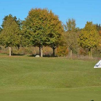 Golfspielen mit Hund in Landshut